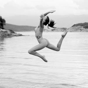 NIF Magazine - Seaside Ballet dancer