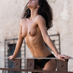 Modellfotó Magazin - Pihenő a teraszon